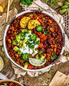 Comforting, delicious, and versatile, this easy to make Vegan Three Bean Chili is bursting with bold flavors and perfect for a quick weeknight dinner. Vegan Chilli Recipe, Chilli Recipes, Vegan Chili, Vegetarian Recipes, Healthy Recipes, Vegetarian Kids, Vegan Soups, Dried Lentils, Three Beans