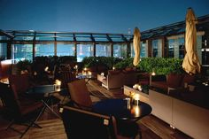 Rooftop of the Bvlgari Hotel in Tokyo. Rooftop Restaurant, Rooftop Bar, Bvlgari Hotel, Outdoor Dining, Outdoor Decor, Tokyo Hotels, Italian Style, Outdoor Furniture Sets, Places To Go