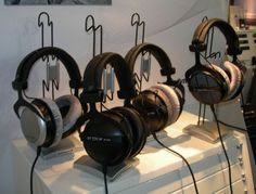 2014 Editors' Choice: Best Headphones