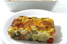 Super Easy, Low Calorie Breakfast Quiche. Great to make this weekend! So delicious and freezes great too. Each serving has just 147 calories, 4 grams of fat and 3 Weight Watchers POINTS PLUS. http://www.skinnykitchen.com/recipes/super-easy-low-calorie-breakfast-quiche/