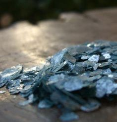 Periwinkle Mica Flakes .2 ounce tube
