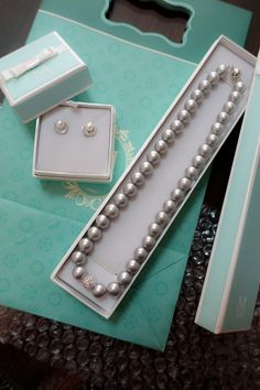 Pearl Necklace, Fans, Posts, Pearls, Jewelry, String Of Pearls, Messages, Jewlery, Jewerly