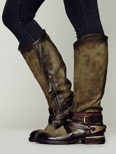holy craaaaaaaap!!!!!! that's freakin' beautiful!!!!!!<3 another WILDLY gorgeous distressed and burnished leather, amazingly detailed boot by italian designer A.S.98....and just LOOK at that olive green....utterly exquisite!!!!!!♥ this is Wakefield Tall Boot .....at Free People....