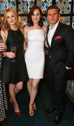 Laura, Michelle, Allen at the Downton Abbey wrap party at the Ivy (Aug. Downton Abbey Characters, Downton Abbey Cast, Downton Abbey Fashion, Allen Leech, Lady Sybil, Laura Carmichael, Dowager Countess, Yorkshire, Maggie Smith