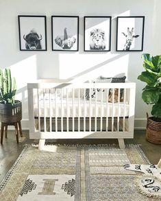 gender neutral nursery decor boho chic animal themed nursery Babyzimmer - saansh - by sandra pietras Baby Nursery: Easy and Cozy Baby Room Ideas for Girl and Boys