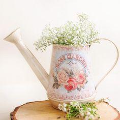 Regadera vintage marfil decapado: Rose Garden