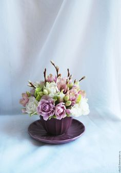 Mini arrangements in cup Easter Flowers, Mothers Day Flowers, Clay Flowers, Fake Flowers, Sugar Flowers, Artificial Flowers, Beautiful Bouquet Of Flowers, Beautiful Flower Arrangements, Tea Cup Art