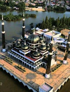 Crystal Masjid in Malaysia. Mosque Architecture, Ancient Greek Architecture, Religious Architecture, Education Architecture, Art And Architecture, Islamic World, Islamic Art, World's Most Beautiful, Beautiful Places