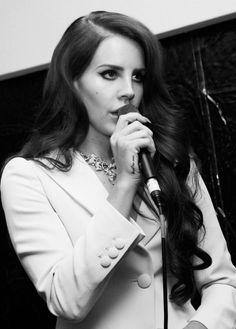Lana (L)