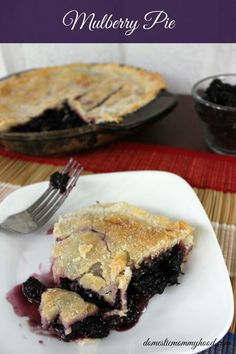 This easy and perfectly delicious mulberry pie is the best I have ever tasted and very simple to make. Just Desserts, Delicious Desserts, Yummy Food, Vegan Desserts, Yummy Yummy, Fun Food, Delish, Pie Dessert, Dessert Recipes