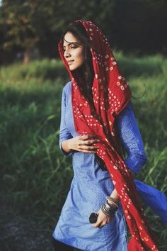 Red & blue / The Scarlet Window / Bandhani is a form of textile art, which has its origins in the state of Gujrat, in India. Girl Photo Poses, Girl Photography Poses, Girl Photos, Fashion Photography, Digital Photography, Photography Awards, Landscape Photography, Indian Look, Indian Wear
