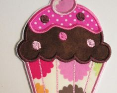 Items similar to Applique Cupcake Burp Cloth Set of 2 on Etsy