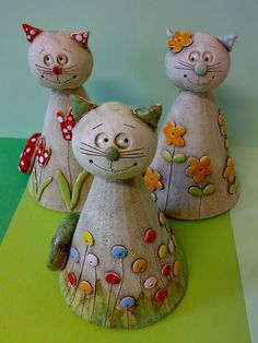 <br> result for pottery suggestions christmas - Bastelideen Clay Projects For Kids, Kids Clay, Ceramic Clay, Ceramic Pottery, Clay Cats, Pottery Animals, Pottery Classes, Ceramics Projects, Paperclay
