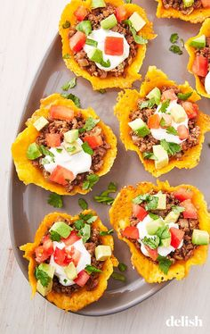 Going keto isn't impossible when you cook these easy keto dinner ideas. From keto burgers to keto chili, here are the best keto meals to cook tonight. Mexican Food Recipes, Beef Recipes, Cooking Recipes, Recipies, Tacos, Comida Keto, Keto Taco, Pasta, Keto Snacks