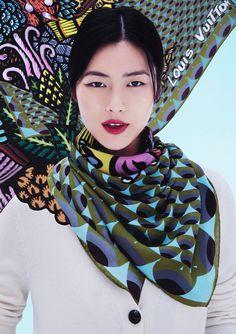 Le foulard de l'artiste Indonésien Eko Nugroho http://www.vogue.fr/mode/news-mode/diaporama/les-foulards-d-artistes-de-louis-vuitton/15017#!le-foulard-de-l-039-artiste-indonesien-eko-nugroho