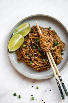 These spicy chili garlic noodles are fast, incredibly flavorful, and delicious. They're super easy – this dish is ready in under 15 minutes! The buckwheat soba noodles are perfect for the vegan and vegetarian diets. Vegetarian Meal Prep, Vegetarian Recipes, Cooking Recipes, Healthy Recipes, Vegetarian Diets, Healthy Food, Vegetarian Italian, Healthy Protein, Healthy Chili