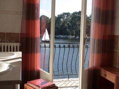 Hôtel La Caravelle à Biscarrosse Lac.  http://www.biscarrosse.com/Hotels,2