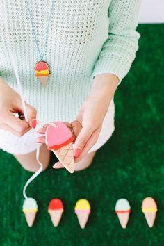 Epinglé par www.la-petite-epicerie.fr ★Tutos et fournitures pour le Do It Yourself ★ DIY Clay Ice Cream Cones