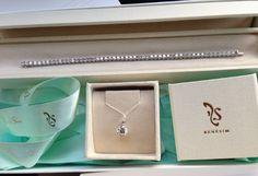 Sparkling tennis bracelet and diamond pendant