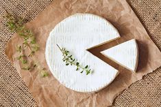 sliced round camembert cheese traditional milk creamy dairy product with thyme on vintage parchment. rustic style and natural light. Low Sodium Cheese, Popular Cheeses, Traditional Italian Dishes, Food Map, Types Of Cheese, Best Italian Recipes, Best Cheese, Italian Cooking, Best Dishes