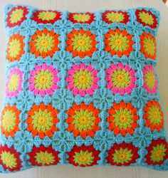 ♡ https://flic.kr/p/9x6koq | circle in a square cushion cover