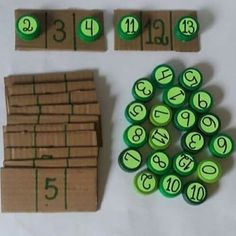 Post-It Number Line Math Activity for Preschoolers Individual math activity working on number sequencing with cheap and reusable items! Helps with independent work time for learning the number line in small chunks. Preschool Learning Activities, Kindergarten Math, Teaching Math, Toddler Activities, Preschool Activities, Kids Learning, Free Preschool, Line Math, Math Numbers