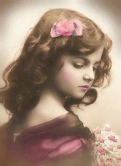 Vintage Photography / Beautiful young girl with bow in her hair Vintage Postcard by Maha-meme (she reminds me so much of my Lilia) Éphémères Vintage, Album Vintage, Pelo Vintage, Vintage Ephemera, Vintage Girls, Vintage Beauty, Vintage Postcards, Vintage Prints, Vintage Stuff