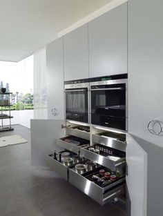Curved and Balanced Modern Kitchen Design: IT-IS kitchen #modern #kitchen #design