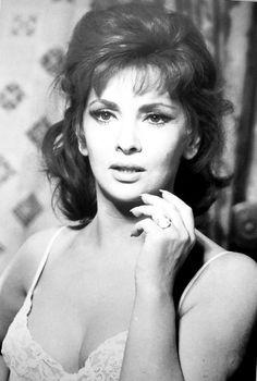 Gina Lollobrigida environ 1961