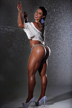 SEXY LONG TANNED LEGS & MUSCULAR GLUTES of Brazilian samba dancer & #Fitness Model Gracyanne Barbosa : if you LOVE Health, Crossfit & #Fitspo - you'll LOVE the #Motivational designs at CageCult Fashion: http://cagecult.com/mma
