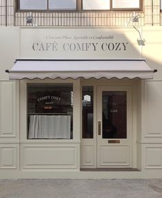 (if u know the owner of the pic comment here) Home Decor Cafe Shop Design, Cafe Interior Design, Store Design, Classic Decor, Korean Cafe, Coffee Shop Aesthetic, Design Exterior, Cozy Cafe, Design Inspiration