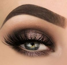 Awesome 43 Best Light Smoky Eye Makeup Tutorials For Summer. More at http://aksahinjewelry.com/2018/03/05/43-best-light-smoky-eye-makeup-tutorials-summer/