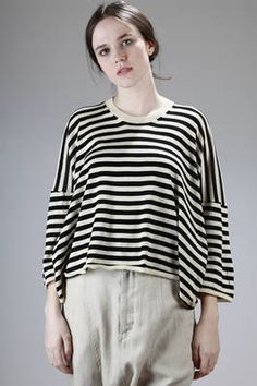 short and wide sweater in light stocking stitched cotton with horizontal stripe - 157