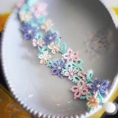 Tatted flower bracelet