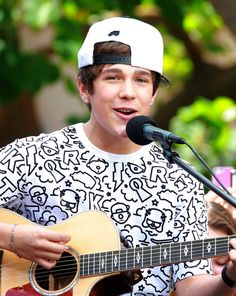 Austin Mahone Photos: Austin Mahone at The Grove in Los Angeles