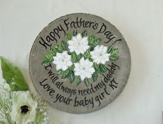 What a cute gift for dad - Perfect for the dad who loves their garden! Personalize to ANY flowers and colors and saying, name or date! Unique Gifts For Mom, Wedding Gifts For Parents, Cute Gifts, Gifts For Dad, Grandma Gifts, Happy Fathers Day, Fathers Day Gifts, Personalized Garden Stones, Grandmother's Day