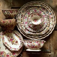 Porcelain Manufacturers In China Antique Dishes, Antique Plates, Vintage Dishes, Antique China, Vintage China, Vintage Tea, Decorative Plates, China Tea Sets, Shabby
