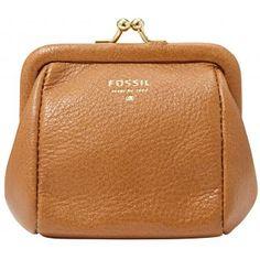Avec ce porte-monnaie Fossil, elle n'emportera que l'essentiel, rien que l'essentiel, on vous l'assure ! Tout en cuir, son design discret mais élégant plaira à toutes les femmes !