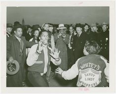 Amusements - Dance - Savoy dancers From New York Public Library Digital Collections. Swing Jazz, Swing Dancing, Dance Pictures, Old Pictures, Lindy Hop, Black Photography, World's Fair, Jazz Music, New York Public Library