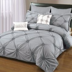 Sandra Venditti - 6-Piece King Ruched Duvet Cover Set in Gray