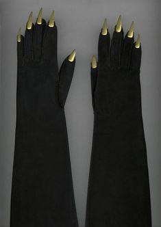 Elsa Schiaparelli, gants du soir, vers 1936.