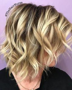Medium Wavy Bob, Short Wavy Bob, Wavy Bobs, Short Cuts, Haircuts For Wavy Hair, Inverted Bob Hairstyles, Medium Bob Hairstyles, Pixie Haircuts, Curly Hairstyles