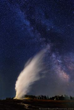 ♥ Milky Way over erupting Old Faithful Geyser, Yellowstone National Park - Royce's NightScapes