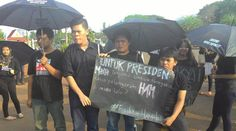 Aksi Kamisan Tak Jera Menuntut Pelaku Pelanggaran HAM | Majalah Kartini
