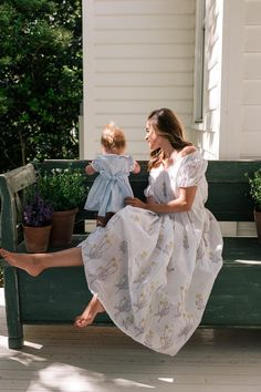 A Dreamy Block Print Dress - Gal Meets Glam - prehnant Mom And Baby, Mommy And Me, Baby Love, Pretty Baby, Gal Meets Glam, Cute Family, Baby Family, Family Goals, Cute Baby Pictures