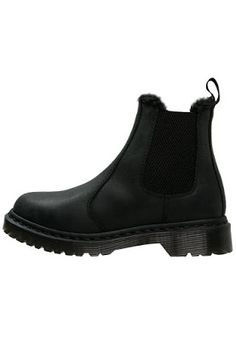 Modepol: Dr Martens 2015/2016 Winter Kollektion für Damen