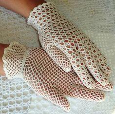Gants de dentelle au Crochet Style Vintage par WillowFairyJewelry