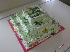 3 tier square reptile cake