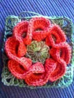 tejidos artesanales en crochet: como tejer una flor en crochet con petalos entrecruzados