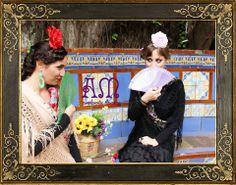 """Andalucía en Buenos Aires"" Nuevo catálogo de complementos flamencos 2014 de AmapolasMoras  Ariana: Peineton modelo ""Maria antonieta"" con Perlas, en verde, Abanico de madera de abedul calado verde (23cm), aros de argolla esmaltada verdes, flor grande roja.  Marina: Abanico con diseño de ondas degradé en violeta, aros de metal calado violetas y flor grande rosa"